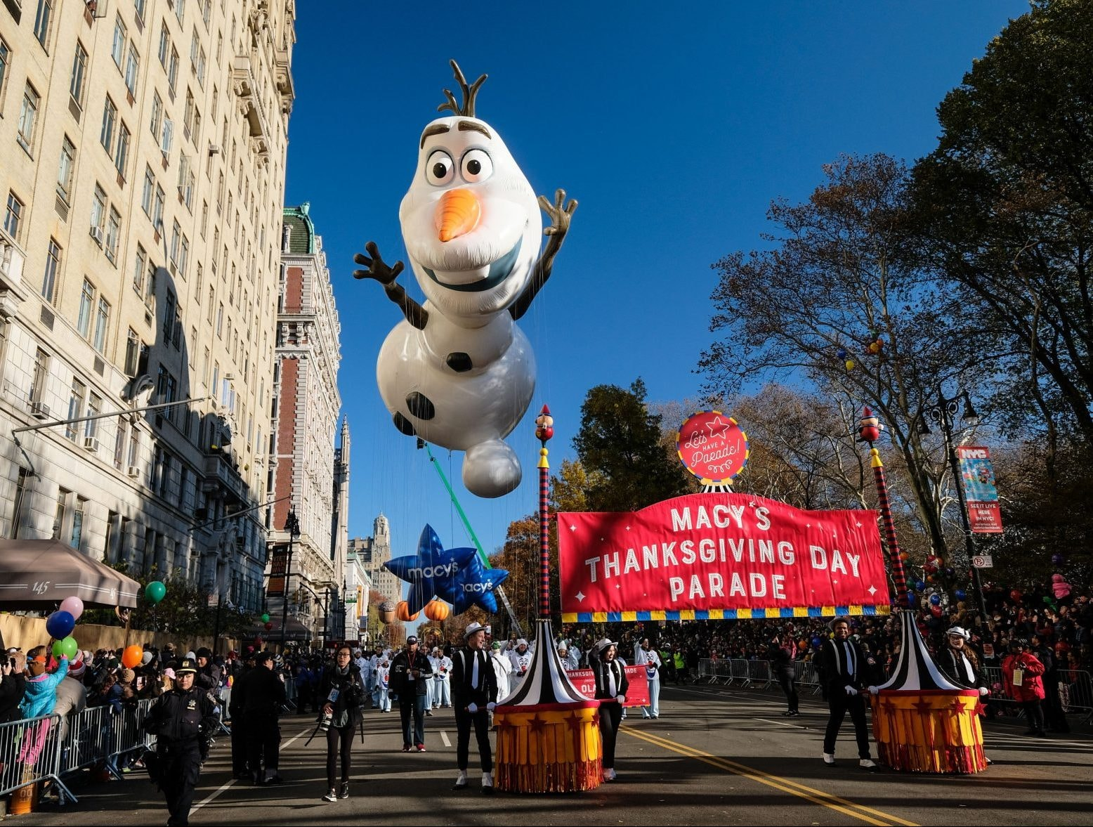 6 Thanksgiving Day Parade Fails